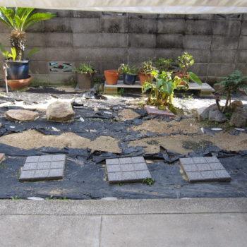 中庭のリフォーム工事始まりました。