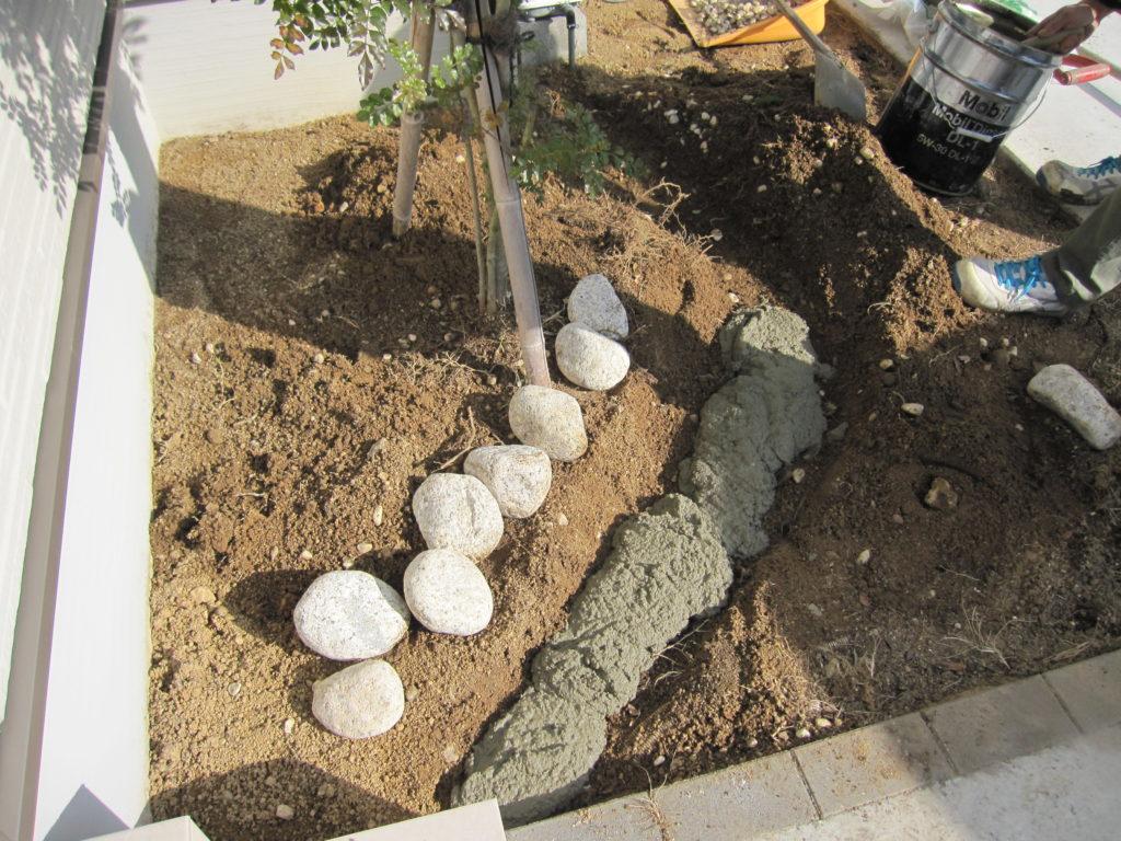 植栽コーナーの石の選定・仮置き