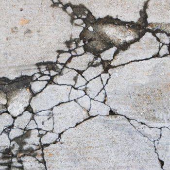 コンクリートとのひび割れ